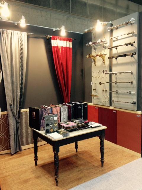 ウレス ブース 装飾レールを中心とした展示